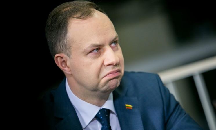Tariamasi dėl nepasitikėjimo sveikatos apsaugos ministrui A. Verygai