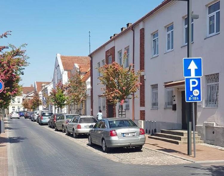 Marijampoliečiai džiaugiasi - miesto centre dienos metu rasti vietą automobiliui tapo paprasčiau