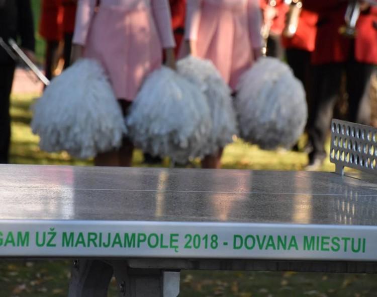 Masiškiausią renginį Bėgam už Marijampolę'18 vainikavo dovana miestui