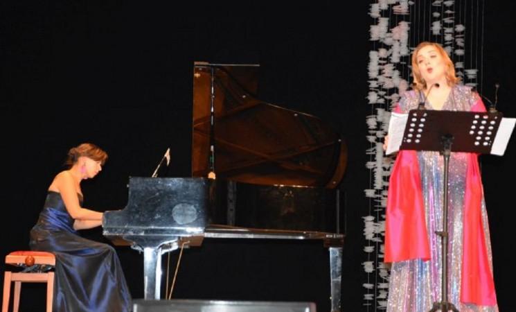 Lauros Latvaitytės-Zaman koncerte - pirmosios marijampoliečių aukos naujam fortepijonui