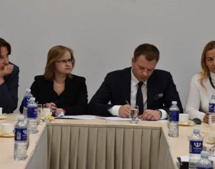 Finansų ministras bendravo su Marijampolės regiono merais ir verslininkais