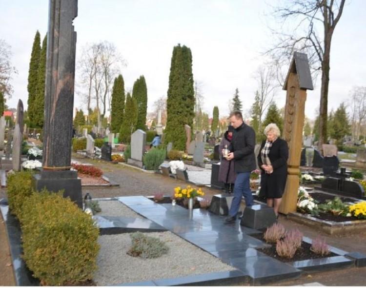 Prisiminti miesto vadovai, Seimo nariai ir garsūs Marijampolės žmonės