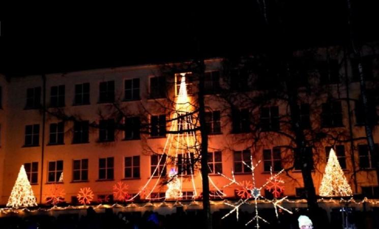 Sušvito Rimanto Stankevičiaus pagrindinės mokyklos kalėdiniai papuošimai