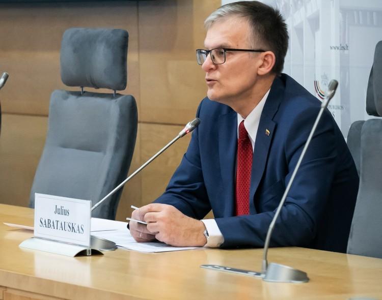 Seime - pataisos įpareigojančios Premjerą siūlyti naują ministrą per 15  dienų