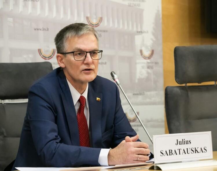 """Socialdemokratai įvertino Seimo darbą: """"valstiečiai"""" dirbo taip, lyg vyktų karas"""
